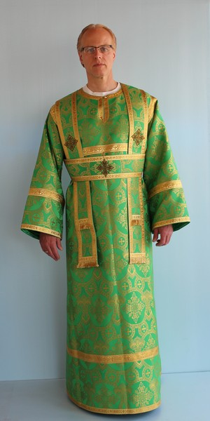 #679 Design Green/Gold Deacon Vestment